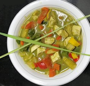 Thai Cottage Cheese Green Curry